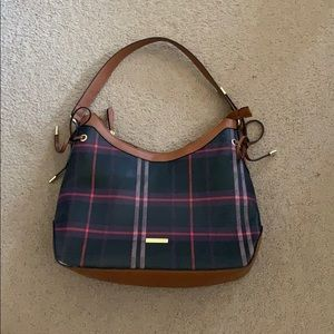 London Fog purse. Never been used. Brand new!